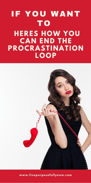 woman-phone-end-procrastination-text