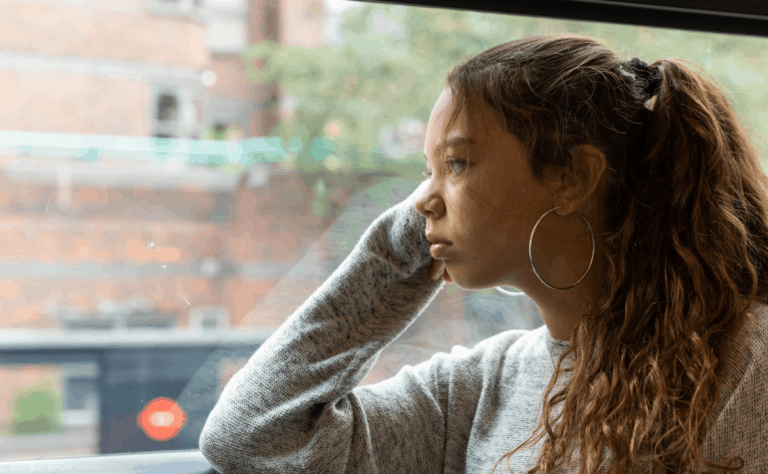 anxiety-girl-on-bus